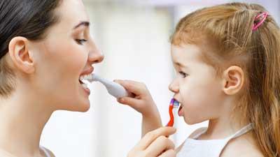 docteur marc chouraki chirurgien dentiste a paris 8 implantologie implantologue 8eme arrondissement causes maladie parodontale